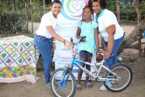 Fundación FIFS entrega juguetes y lleva alegría a niños pobres en comunidad de San Juan de la Maguana