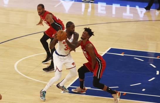 Heat supera a Knicks en primer duelo de serie