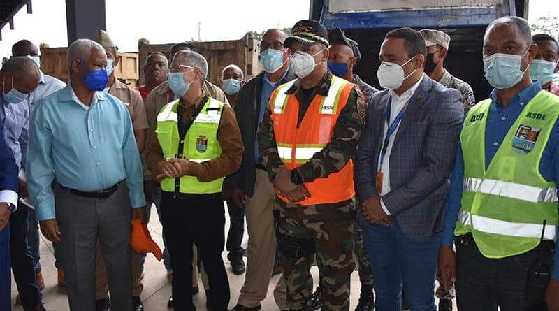 MOPC interviene Santo Domingo Este con amplio operativo que incluye múltiples servicios