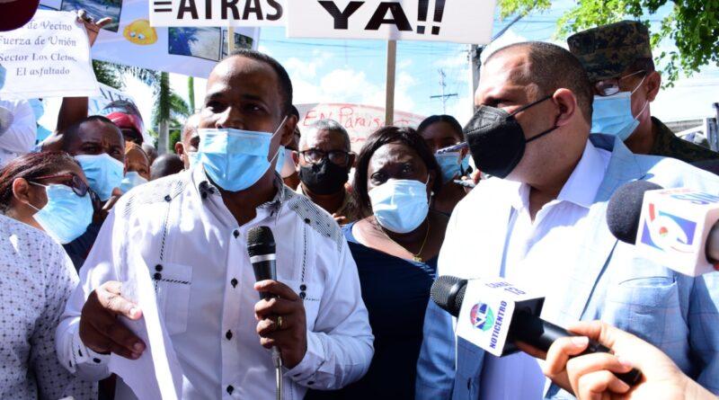 Ministro de Obras Pública y alcalde Carlos Guzmán se reunirán para tratar problemática asfaltado de calles de Santo Domingo Norte
