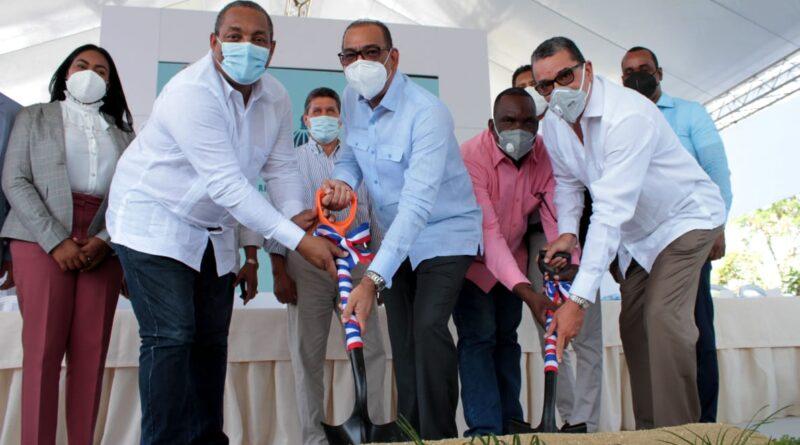 Ministro de Obras Públicas deja iniciados trabajos de reconstrucción de la carretera La Guáyiga-Hato Nuevo-Los Alcarrizos