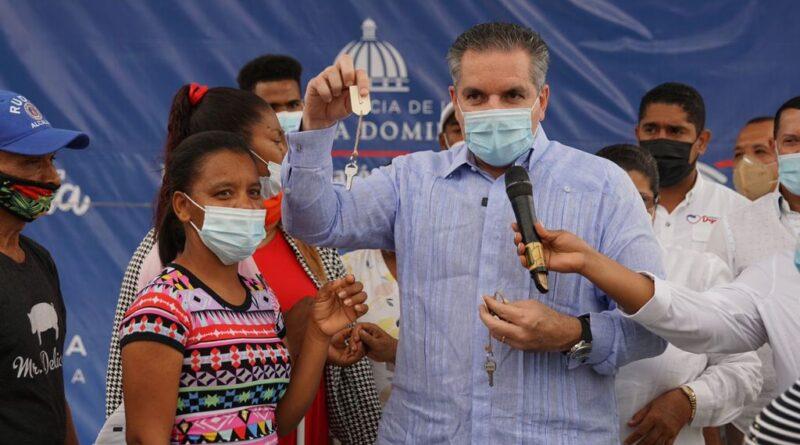 Ministro Neney Cabrera afirma gobierno combate pobreza extrema en el país