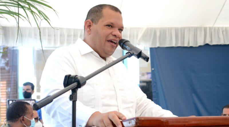 Carlos Guzmán, ha logrado estabilizar la recogida de basura en Santo Domingo Norte